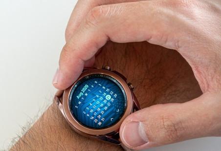 الساعة الذكية Samsung Galaxy Watch3