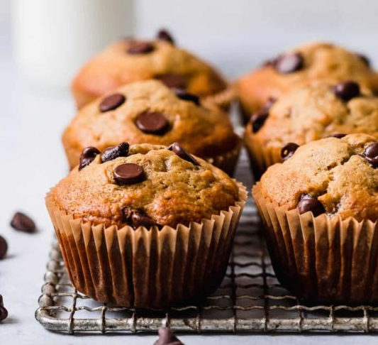 Gluten-Free Banana Chocolate Chip Muffins #diet #dessert #paleo #banana #easy