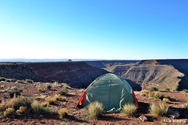 camping at Goosenecks State Park