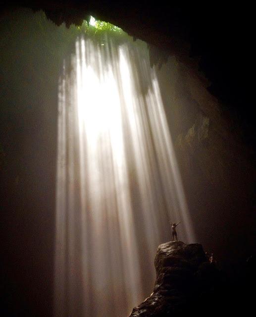 foto cahaya surga di goa jomblang