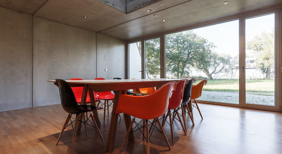 12-Dining-Table-E-Krautsand-Architecture-Hotel-Rooms-on-Stilts-www-designstack-co