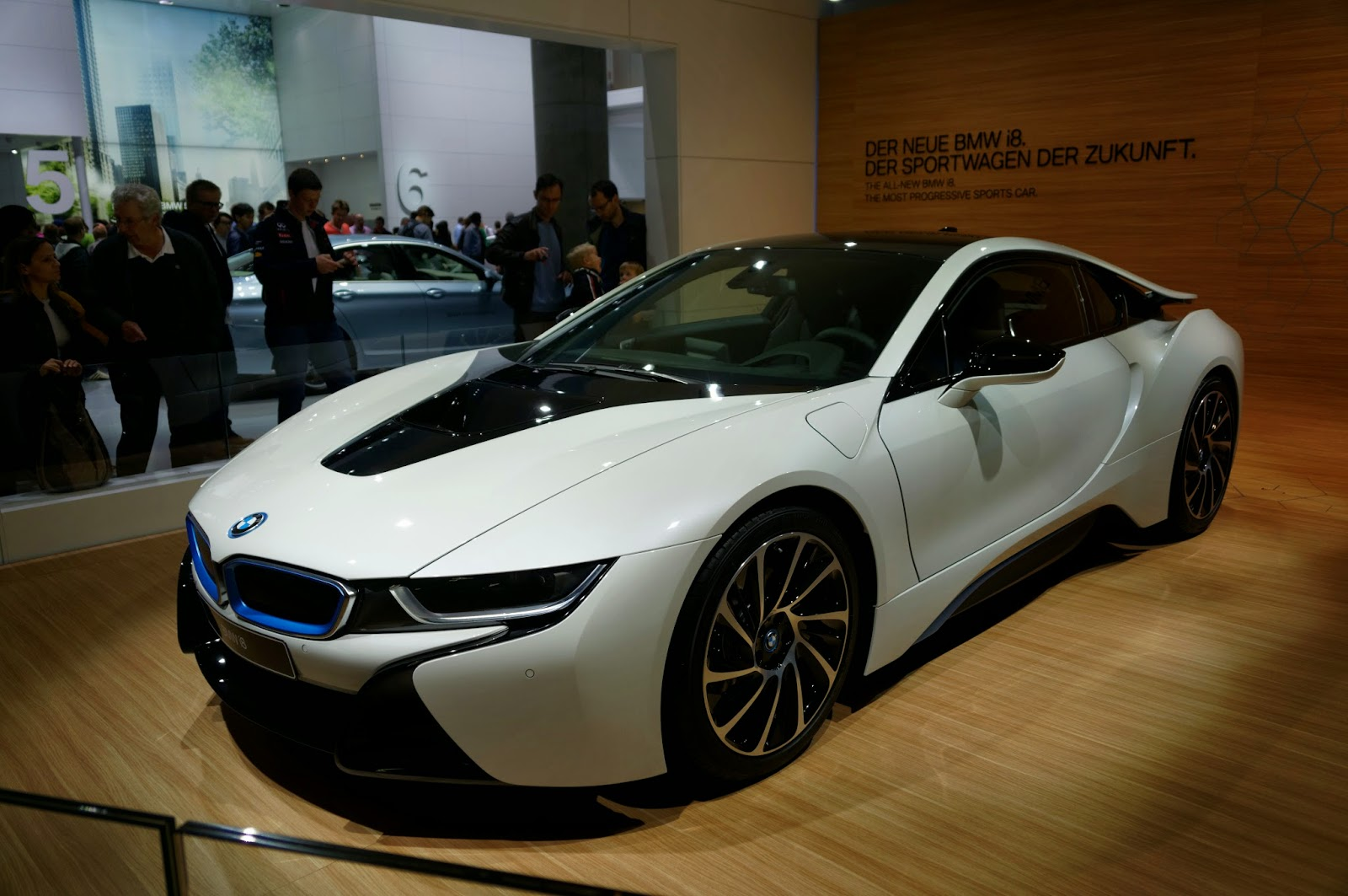 Glancing Sophistication 2 Environmentally Friendly Vehicles BMW i3 and i8