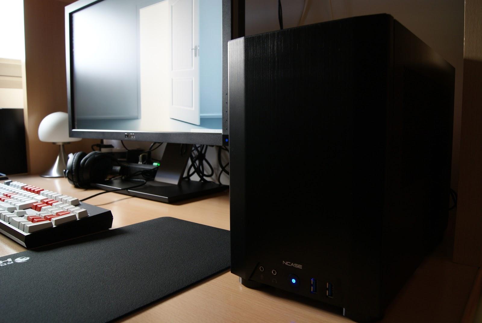 PC Gamer 2014 con caja NCASE M1