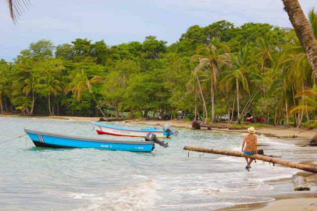 Barco ecoturismo