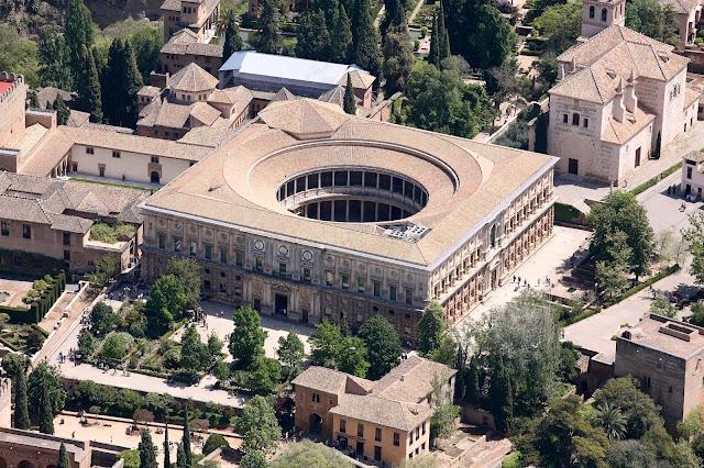 Resultado de imagen de plaza del Palacio de Carlos V GRANADA