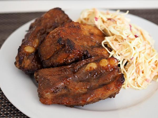 Paahtokylkeä makean mausteisella BBQ-kastikkeella