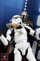 S.H. Figuarts The Mandalorian (Beskar Armor) 79