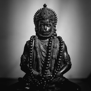 Who wrote hanuman chalisa