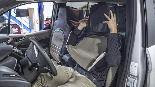 Ford disguised as a seat a man for the sake of the development of autonomous driving