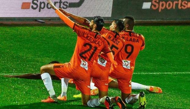 كرة القدم: كأس السوبر CAF ينظم في القاهرة