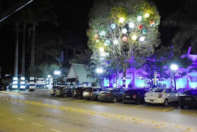 natal iluminado na cidade de Cristalina