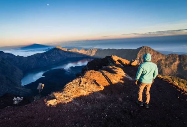 Mitos Gunung Rinjani larangan menginjakkan kaki di daerah tertentu