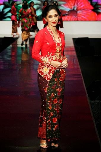Kumpulan Foto Model Baju Kebaya Kartini - Trend Baju ...