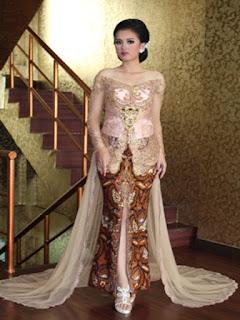 model batik dan rok panjang