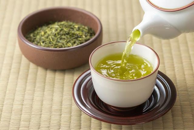 Yeşil Çayın faydaları nelerdir? ne işe yarar? yeşil çay nasıl demlenir? nasıl yapılır? besin değeri, ne zaman içilir? aktar organik yeşil çay fiyatları, satın al.