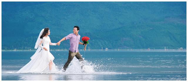 Outdoor pre wedding photoshoot package in Vietnam