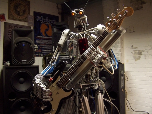 04-Compressorhead-Automatons-Bones-The-Bass-Player
