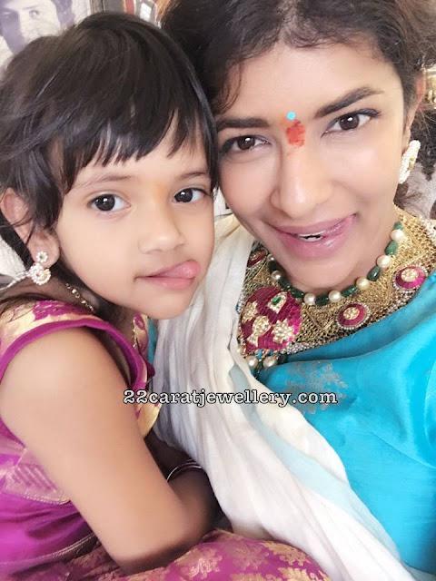 Lakshmi Prasanna Emerald Pearl Necklace