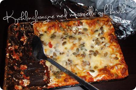 Kycklinglasagne med mozzarella och basilika