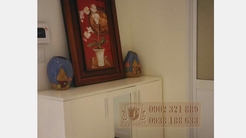 The Prince Phú Nhuận cho thuê căn hộ 3 phòng ngủ - tủ trang trí