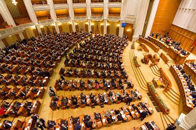 rendkívüli ülésszak, képviselőház, Liviu Dragnea, Románia, Grindeanu-kormány, sürgősségi rendelet