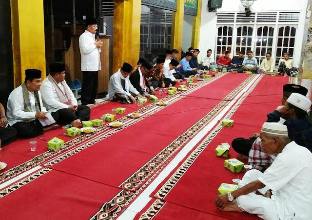 Di Masjid Raya Kampuang Pauh, Malam Takbiran Berlangsung Khidmat
