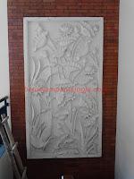 relief batu putih