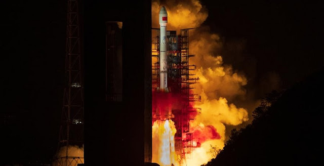 The Tianlian II-01 satellite is launched by a Long March-3B carrier rocket at the Xichang Satellite Launch Center in southwest China's Sichuan Province, on March 31, 2019. China sent the new data relay satellite into orbit from the Xichang Satellite Launch Center late Sunday night. The Tianlian II-01 satellite was launched at 11:51 p.m. Beijing Time by a Long March-3B carrier rocket. As the first satellite to constitute China's second-generation data relay satellite network, the Tianlian II-01 will provide data relay, measurement and control, transmission services for manned spacecraft, satellites, carrier rockets and other non-spacecraft users. (Xinhua/Guo Wenbin)