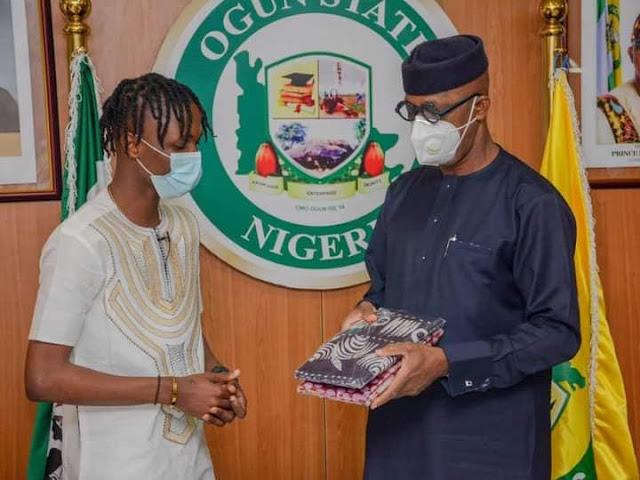 Governor Abiodun donates house and N5million cash to BBNaija winner, Laycon