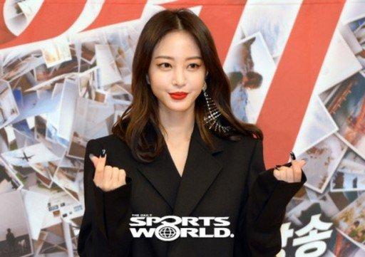 Han Ye Seul'un 'Unni's Salon'dan aniden ayrılması kafa karıştırdı
