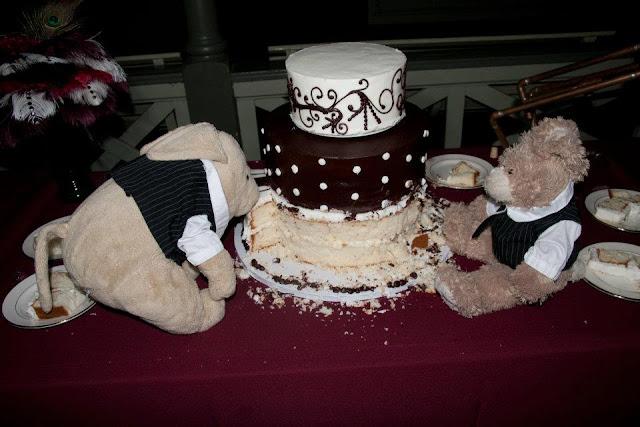 steampunk wedding, steampunk bride and groom, louise black corset, galveston, wedding, garten verein, steampunk wedding reception, stuffed goodness, wedding cake, julie anne's bakery