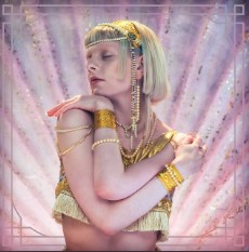 Baixar Musica Exist For Love - AURORA Mp3