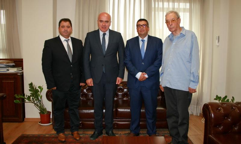 Συνάντηση του Περιφερειάρχη ΑΜ-Θ με τον Νομάρχη του Σμόλιαν για τον κάθετο άξονα Ξάνθη - Ελληνοβουλγαρικά σύνορα