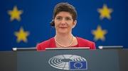 A hazaáruló Gyurcsányné Dobrev Klára újra Magyarország ellen uszítja Európát