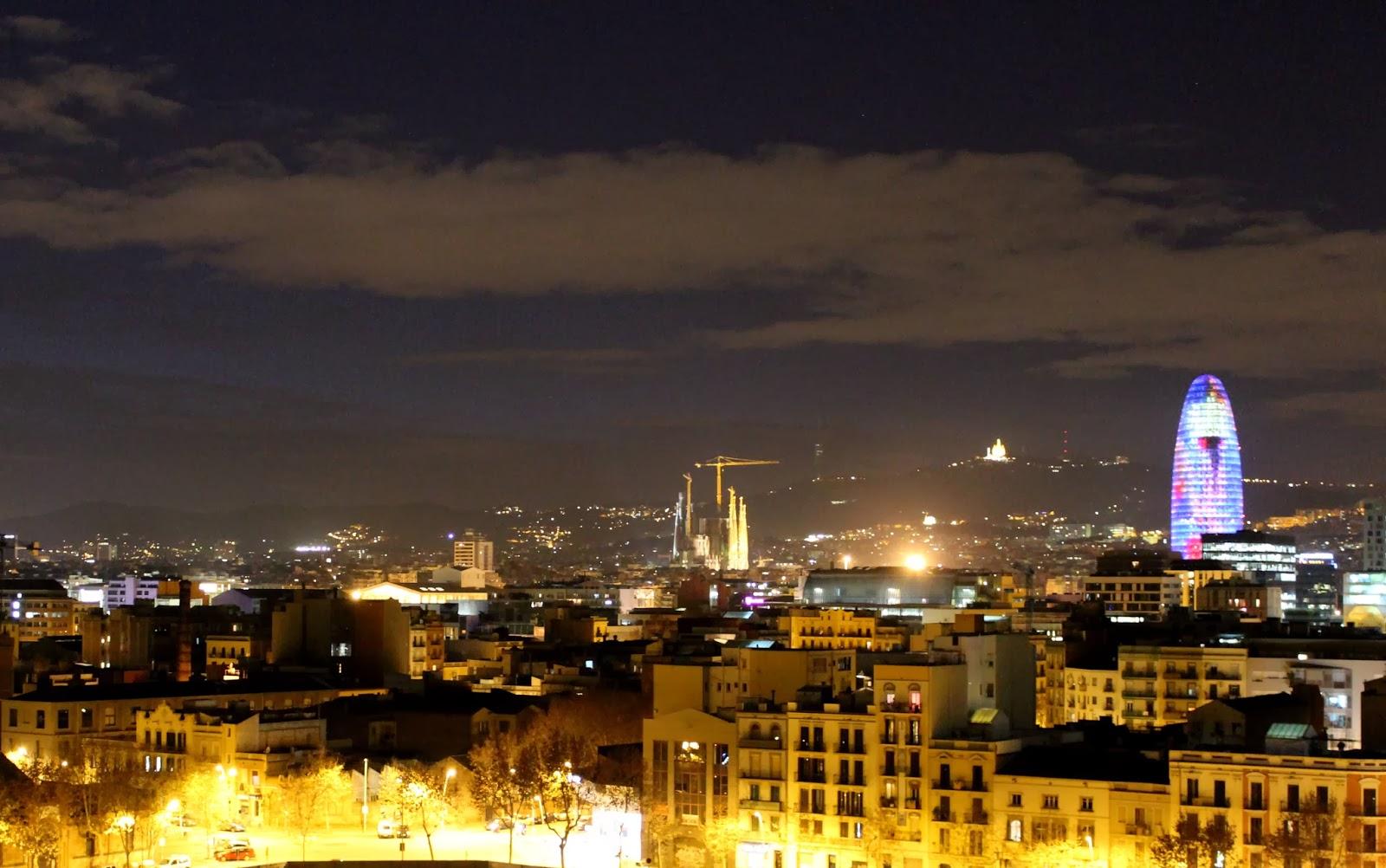 Vistas nocturna de Barcelona