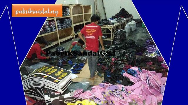Kegiatan Produksi Sandal Jepit Murah- Pabrik Sandal Terbesar di Jawa Barat