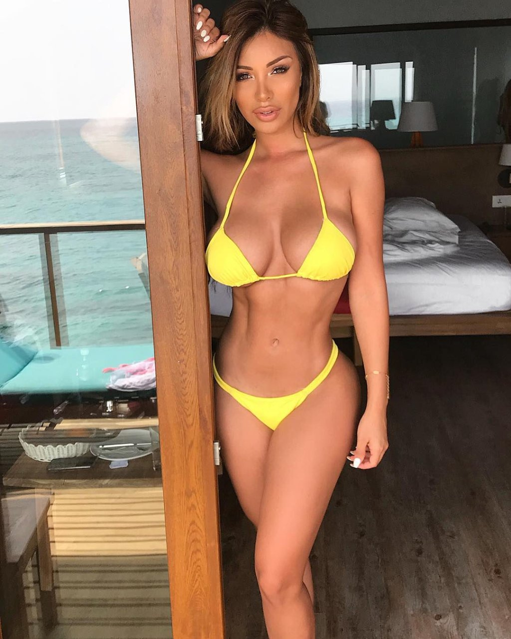Wired Right: Paula Manzanal is our Bikini Babe for the Day.