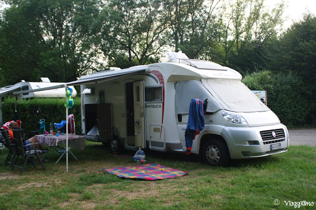 Piazzola di uno dei tanti campeggi in Francia