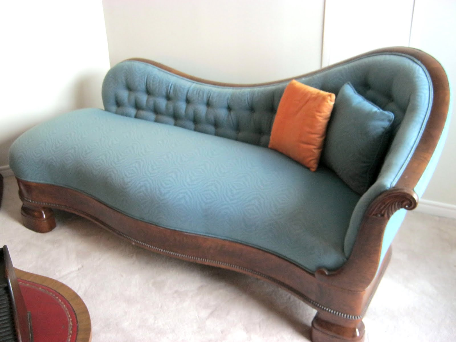 Funk & Gruven A Z 1890 s FAINTING COUCH WITH WALNUT FRAME