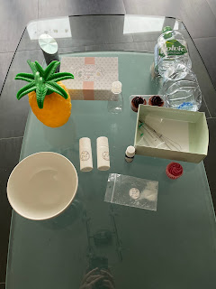 Ustensiles et ingrédients pour la réalisation du bain moussant relaxant à la lavande