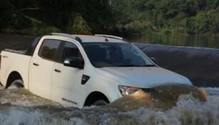 Thuỷ kích là gì và những chú ý khi lái xe trong vùng ngập nước