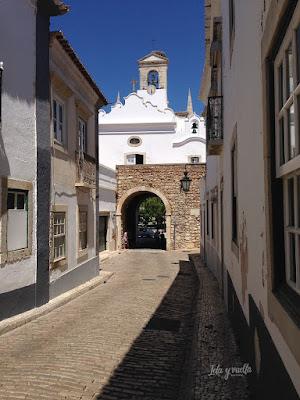 Casco antiguo Faro Arco da Vila