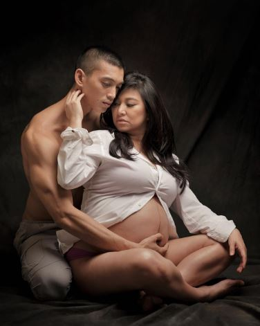 VIRAL: Rufa Mae Posed For An Intimate Maternity Shoot With Husband Trevor