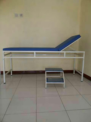 harga tempat tidur periksa pasien
