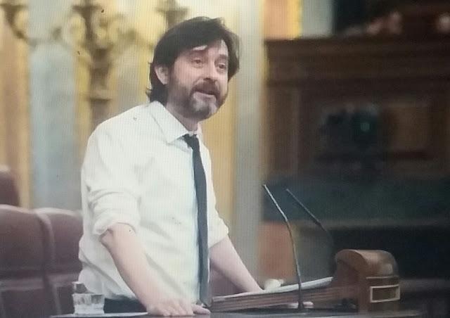 """Rafa Mayoral al PP sobre la reforma del reglamento : """"Váyanse a tomarle el pelo a su prima"""""""