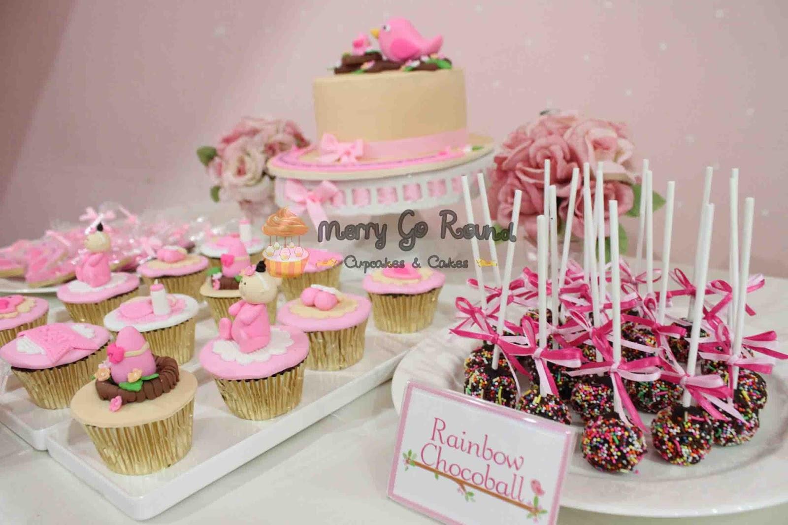 Merry Go Round Cupcakes Amp Cakes Dessert Table
