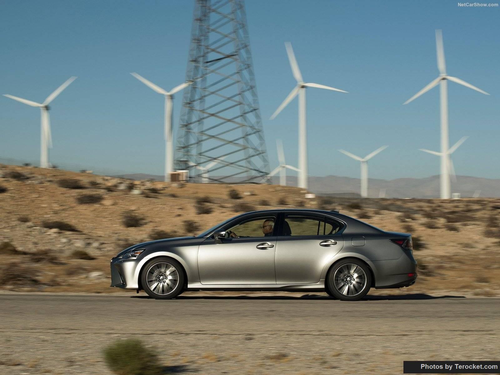 Lexus GS200T 2016 là một chiếc sedan cá tính, đậm chất thể thao