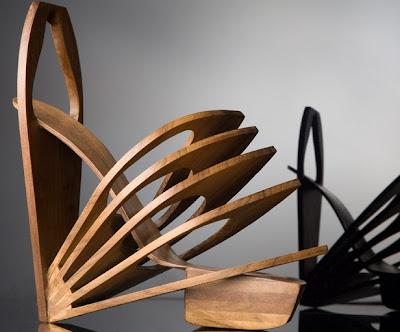 Zapatillas exóticas hechas de madera