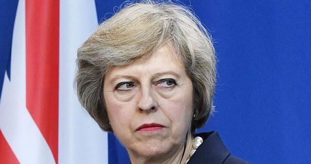 Γιατί η Μέι στήνει κάλπες στη Βρετανία