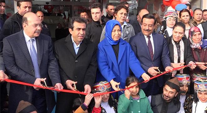 Diyarbakır'da Rabia-Tül Adeviyye Kadın Kültür ve Sanat Merkezinin açılışı yapıldı